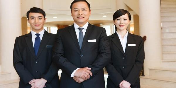 秋季怎么定制工作服让酒店焕然一新?