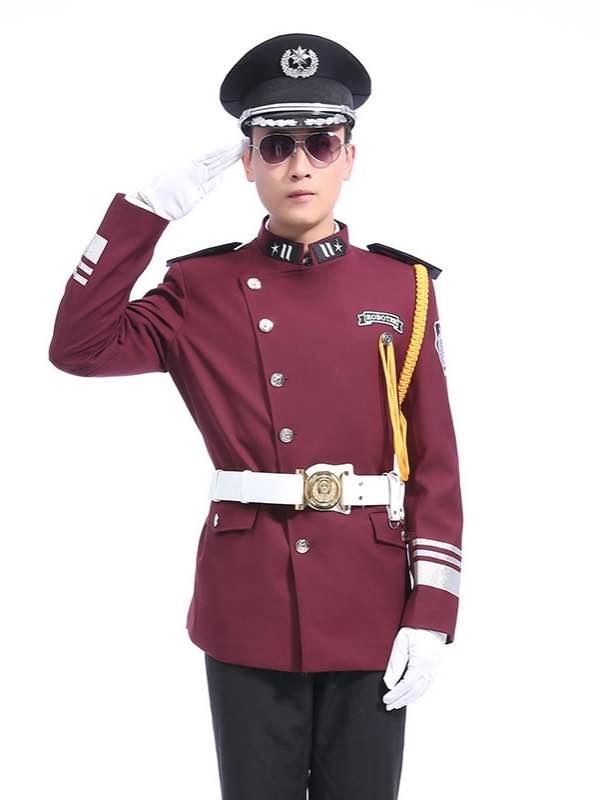 红色保安制服